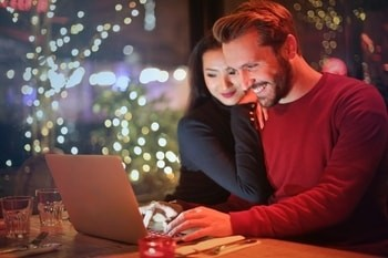 Online Dating Couple