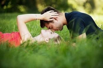 Romance vs dating